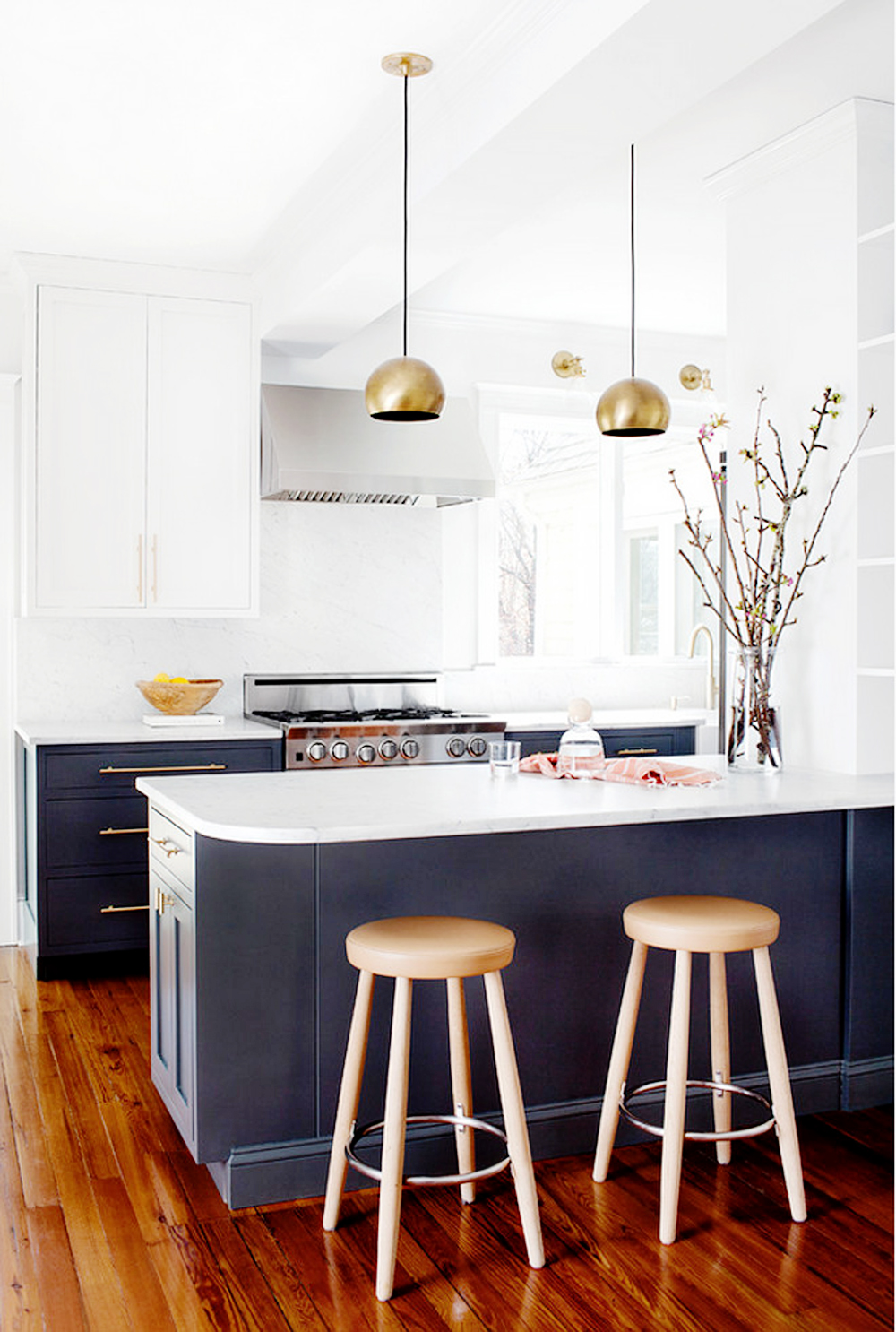 twotoned3 - THE TWO TONE KITCHEN by popular home design blogger E. INTERIORS